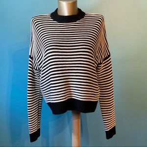 🛍3/$25 Forever 21 striped sweater